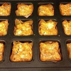 Buffalo Chicken Cups - For football season! Prepared with The Pampered Chef Brownie Pan! Visit my site! Chicken Cups Recipe, Chicken Bites, Chicken Wraps, Chicken Wontons, Chicken Recipes, Buff Chicken, Chicken Snacks, Chicken Appetizers, Chicken Pockets