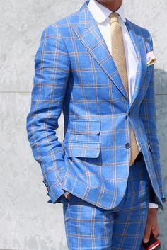 Completo sartoriale azzurro a quadri