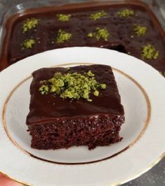 Islak Kek Browni Tarifi – Pratik Tatlı Tarifleri – Tatlı tarifleri – The Most Practical and Easy Recipes Cheesecake Brownie, Brownie Desserts, Brownie Cake, Brownie Recipes, Mint Brownies, Peanut Butter Brownies, Fudge Brownies, Easy Cake Recipes, Dessert Recipes