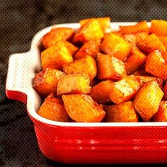 Cinnamon Roasted Butternut Squash is the perfect side dish for any fall/winter meal. This roasted butternut squash recipe is a holiday must-have. Sweet Potato Cornbread, Sweet Potato Casserole, Thanksgiving Side Dishes, Thanksgiving Recipes, Thanksgiving 2020, Holiday Recipes, Thanksgiving Salad, Christmas Desserts, Christmas Recipes