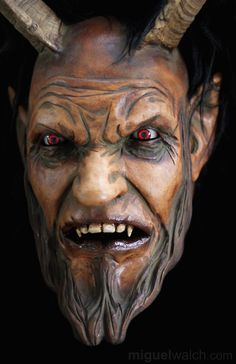 Miguel Walch Holzmasken | News