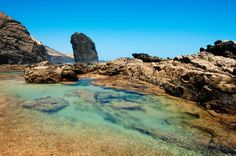 El Roque del Moro con piscina natural - Jandía, Fuerteventura Fuerteventura Island, Places To Travel, Places To Visit, Paraiso Natural, Reisen In Europa, Paradise On Earth, Photos Voyages, Canary Islands, Island Beach