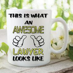 Novelty Mug This Is What An Awesome Lawyer Looks Like Funny Birthday Gift Family Ceramic Cup Work Office Humour Printed Cups Mugs