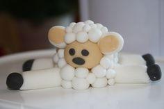 Fondant sheep -- how cute!! by tonia
