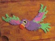 Parrot hama perler by Krea Krumspring