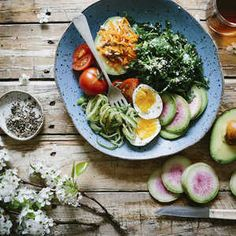 Why is a Whole-Food, Plant-Based Diet Good for Your Health? Whole Foods, Whole Food Recipes, Healthy Snacks, Healthy Eating, Healthy Recipes, Stay Healthy, Tortas Light, Weight Loss Smoothie Recipes, Ketogenic Diet Plan
