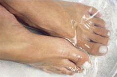 Helps with foot fungus. Spray a 50/50 mixture of hydrogen peroxide and water on them (especially the toes) every night and let dry. Or try soaking your feet in a peroxide solution to help soften calluses and corns, and disinfect minor cuts. Home Remedies For Wrinkles, Home Remedies For Skin, This Or That Questions, Life Questions, Fungi, Whitening, Best Natural Skin Care, Self Care, Home Goods