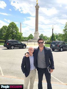 Joe Manganiello's White House Weekend Photo Diary | MONUMENTS MEN | Spending some of his Saturday sightseeing, Manganiello poses in front of the Washington Monument with PEOPLE's Jess Cagle.