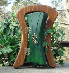 Opening Leprechaun Fairy Door by Faekeepers on Etsy $30.00 & Making a leprechaun door \u003c--- should be a shamrock not a clover. (3 ...