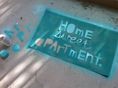 DIY Ideas for Apartment Dwellers (13 Pics) Spray paint door mat
