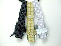 Hand Sanitizer Holder: Tutorial from A Lemon Squeezy Home blog. #sanitizer #gift #handmade