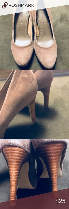 Banana Republic taupe suede heels EUC. Banana suede upper heels. Size 7M. Minimal wear on soles. Materials:  upper leather, lining other materials. Banana Republic Shoes Heels