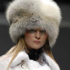 Меховые шапки 2017: фото модных женских меховых шапок на зиму 2017 года
