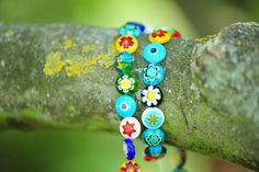 Pulsera de colorines cuentas cristal de murano hecha a mano una a una por Marta Satrustegui.