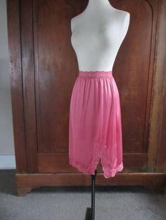 Reserved - 1970s Half Slip - Nylon & Lace - Womens Vintage Lingerie - Skirt Undergarment - Vassarette - Small - Medium