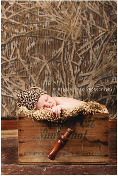 Newborn | Duck hunting | Camouflage | Country | Rustic | Baby boy | Photo by Hippie Chic Photography
