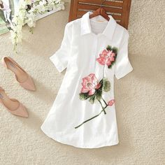 Awesome 2017 Summer National Long Short-sleeved Shirt Embroidered Cotton Shirts Whom Loose Linen Blouse Fabric Paint Shirt, Paint Shirts, Dress Painting, T Shirt Painting, Hand Painted Dress, Painted Clothes, Look Fashion, Fashion Outfits, Fabric Paint Designs