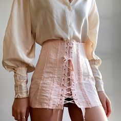 Image shared by EMIRA. Find images and videos about girl, fashion and beautiful on We Heart It - the app to get lost in what you love. Aesthetic Fashion, Look Fashion, Aesthetic Clothes, Fashion Outfits, Womens Fashion, Fashion Design, Aesthetic Vintage, Girl Fashion, Pretty Outfits