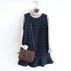 This style sweater is exactly what I am looking for to wear with multiple outfits. the dress is great as well!