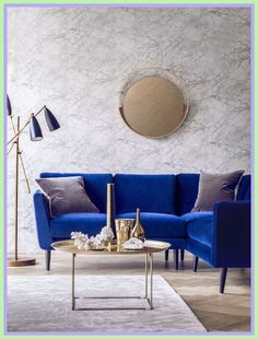 Cool Blue Velvet Sofa (Holly Corner Sofa) with a gold coffee table and marble walls The post Blue Velvet Sofa (Holly Corner Sofa) with a gold coffee table and marble walls… appeared first . Blue Home Decor, Interior Design, White Room Decor, Living Decor, Interior, Room Decor, Living Room Decor, Home Decor, Blue Velvet Sofa
