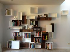 Congratulations to the 1st place for this beautiful design shelf.   Jo from Leuven with his Cubit shelf.