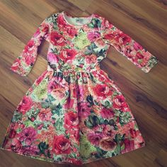Floral Dress ASOS floral dress, quarter length sleeves. 30 inches in length from shoulder. Great condition ASOS Dresses Mini