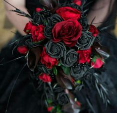 Gothic Bride Bouquet /wedding flowers custom made to your Bride Bouquets, Flower Bouquet Wedding, Bouquet Flowers, Vampire Wedding, Skull Wedding, Black Wedding Dresses, Black Red Wedding, Yellow Wedding, Alternative Wedding