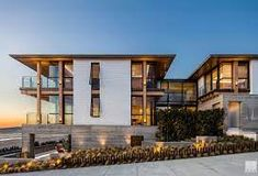 17th and the strand - Google Search Light Architecture, Contemporary Architecture, Interior Architecture, Residential Architecture, Modern Contemporary, Shiplap Siding, Manhattan Beach Pier, Ocean House, Entry Gates