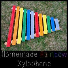 wij hebben voor deze Xylophone gekozen omdat het er vrolijk uit ziet met die kleurtjes en de cliënten het ook nog kunnen gebruiken.