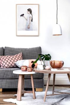 Having small living room can be one of all your problem about decoration home. To solve that, you will create the illusion of a larger space and painting your small living room with bright colors c… Decor, Modern White Living Room, Interior, Interior Inspiration, Home Decor, Room Inspiration, House Interior, Decorating Coffee Tables, Trending Decor