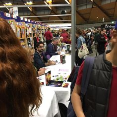 Sneaking photos at #qbdbooks and author alley at #supanova2017 #supanova #samishah is here!