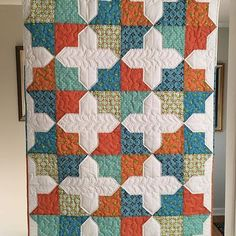 Instagram media by missouriquiltco - We are in awe over this Double Square Star Quilt! Truly stunning! #msqcshowandtell #Repost @kellyrothrockwood ・・・ A finish! Used prints from @elizabethfeltsdesign and Quilt pattern from @missouriquiltco #msqcshowandtell #fmq #quilt #quilting #quiltsofinstagram