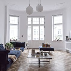 From the iconic Daybed to the grand Modular Sofa, all HANDVÄRK seating objects are meticulously designed in Denmark and characterized by aesthetic sustainability: a timeless object in a quality last a lifetime. Danish Furniture, Furniture Design, Modular Sofa, Daybed, Dining Bench, Full House, Prada, Perfume, Pearls