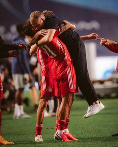 Thomas Muller, Germany Football, Fc Bayern Munich, Sumo, Wrestling, Sports, Soccer, Football Soccer, Lucha Libre