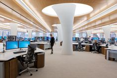 Award-winning office featuring 120⁰ configurations of FORm_office, Chicago © Innovant, Inc.