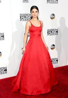 Selena Gomez usa vestido Prada (Foto: Getty Images)