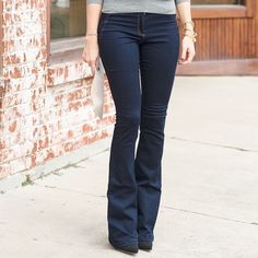 BNWT Veronica Beard flare leg jeans pants sz 4 Brand new with tags, Veronica Beard flare leg trousers. Medium blue jeans. Size 4. Gorgeous!!!! High waisted - about a 10 inch rise. Soft, super stretch denim make these jeans a perfect fit. So popular right now, and they retail for $295. Snag them now for less than half that! Veronica Beard Jeans Flare & Wide Leg