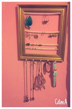 { DIY : An idea for jour beautiful jewelry story in 4 steps on my blog / une idée rangement pour vos jolies bijoux en 4 étapes sur mon blog }