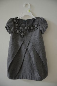 gray dress Baby Girl Party Dresses, Little Girl Dresses, Girls Dresses, Frock Patterns, Baby Dress Patterns, Kids Dress Wear, Kids Wear, Vêtements Goth Pastel, Kids Fashion