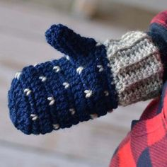 Snowfall Crochet Mittens Free Pattern