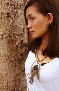 Feathers necklece by. Rona Marliana
