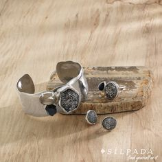 Glisten Up! #Silpada Crystal Cave Cuff, ring and earrings. https://silpada.ca/public/rep/home 250-538-2171 cell 778-353-2244