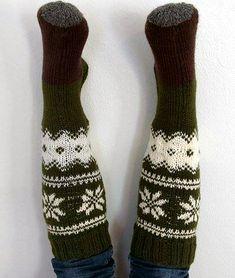 kirjoneulepolvisukat, novita 7 veljestä, ohje Thick Socks, Slipper, Knitting And Crocheting, Loafer, Slippers, Sandal