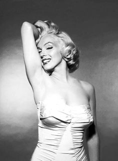 Marilyn Manroe    beautiful #Black and #White #Photography #portrait #Glamour