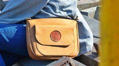 Anna Chain IDR 110.000 Size : 23 x 19 cm --- Untuk order : P : +6289677558003 B : 539C1FB0 L : azmieazhar --- #koperbenyamin #bag #slingbag #totebag #tas #surabaya