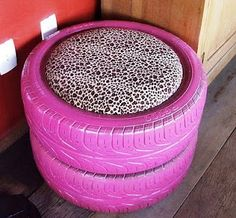 Ottoman or extra seat fer the house! Made out of old tires! Such a good idea!