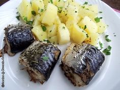 Macrou la tava Romanian Food, Baked Potato, Mashed Potatoes, Pork, Baking, Ethnic Recipes, Diet, Whipped Potatoes, Kale Stir Fry