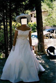 Robe de mariée Complicité taille 44 couleur écrue avec chapeau d'occasion