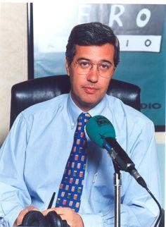 Ernesto Sáenz de Buruaga en Onda Cero en la temporada 1996 cuando presentó 'La Brújula'