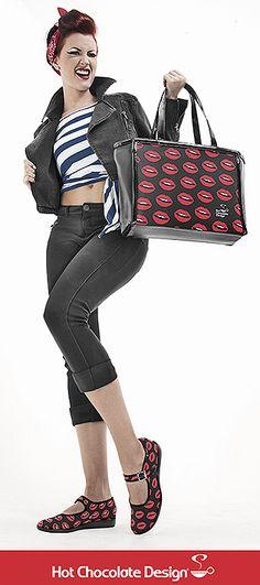 """KISS ME"" para rebeldes sin causa #chocolaticas #hotchocolatedesign #shoes #hechoenvenezuela #venezuela #fashion #design #handbag #accesories"